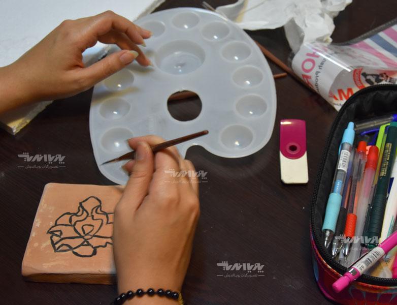 هنرجویان آموزش رنگ و لعاب